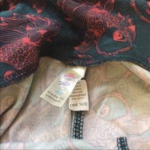 LuLaRoe Pants - NWOT LuLaRoe fish leggings OS